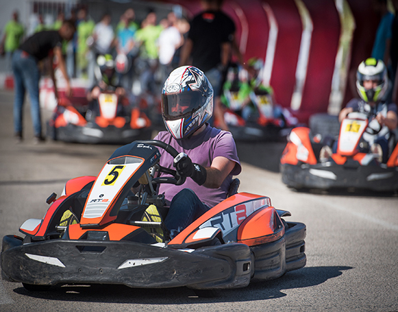 Salida R8 Gran Premio de Karts en Karting Vendrell
